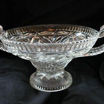 Serpent handled bowl - Glassware