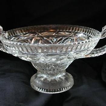 Serpent handled bowl
