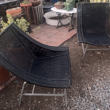 Two very comfortable and beautifully made wicker garden chairs - Furniture