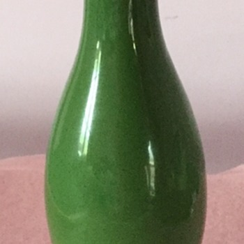 Beautiful green vase - Pottery