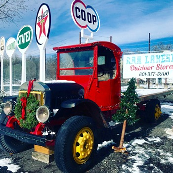Big Mack gets Wreath - Classic Cars