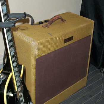 My 1954 Fender Bassman next to my 1968 Les Paul Custom Black Beauty