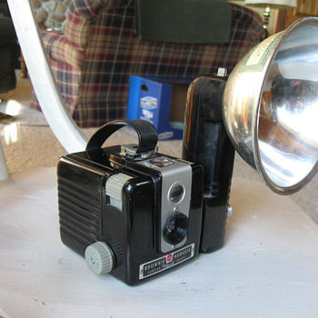 Kodak Brownie Hawkeye Camera Flash Model - Cameras