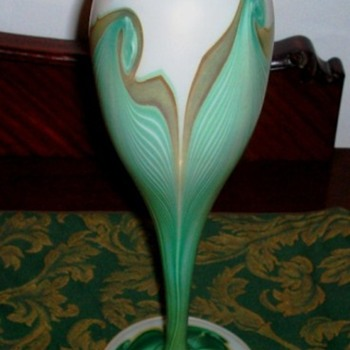 Kew Blas Floriform Vase c.1900. - Art Glass