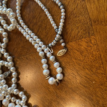 Bag of pearl necklaces - Fine Jewelry
