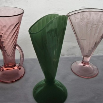 My New American Deco Fan Vases, Pleasing Pressed Glass Shapes - Art Deco