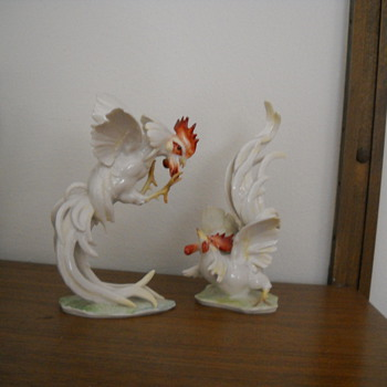 roosters or fighting hens? - China and Dinnerware