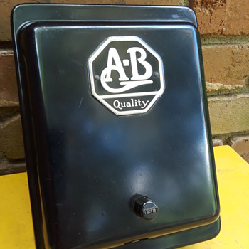 old ALLEN-BRADLEY motor starter switch - Electronics