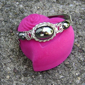 Vintage Costume Jewelry Bracelet - Hematite - Costume Jewelry