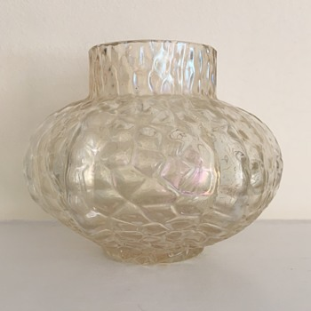 Kralik loose martelé or broken cobweb mould rose bowl  - Art Glass