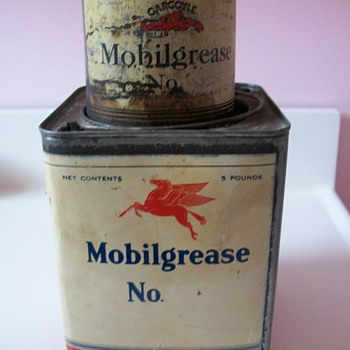 MOBIL grease cans - Petroliana
