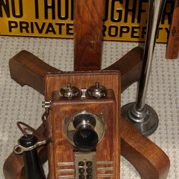 Switchboard oak Phone - Telephones