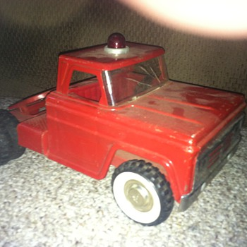 Pressed Steel truck with whitewalls. - Model Cars