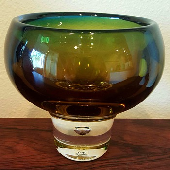 Vicke Lindstrand Glass Bowl Signed - Art Glass
