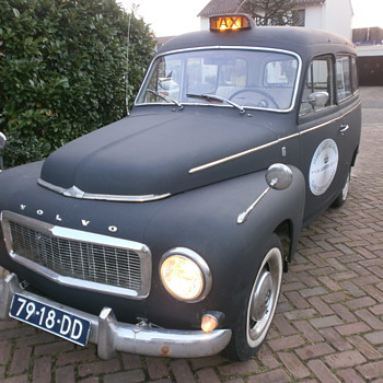 The one and only Volvo Duett P210 London cab from 1966 - Classic Cars