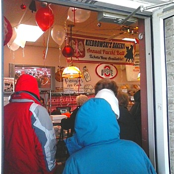 "It's ""Paczki (poonch-key) Day""at Kiedrowski's Bakery...Time To Brave The Elements !"