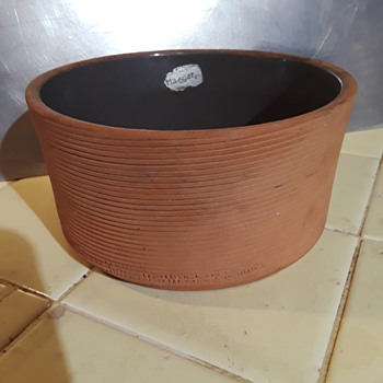 red clay HAEGER POTTERY bowl - Pottery