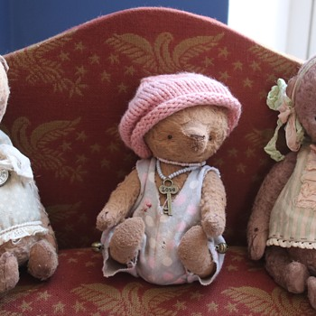 Teddy Bears - Dolls