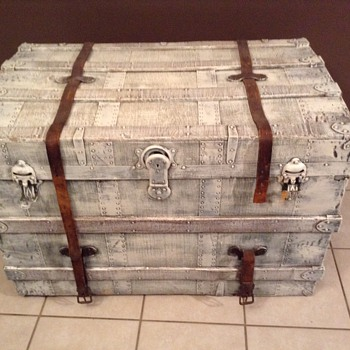 My Beautiful new hope chest! Want to learn more about it! - Furniture