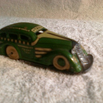 old tin lithograph cars from...?  I know the matchbox cars but I could use an opinion here! - Model Cars
