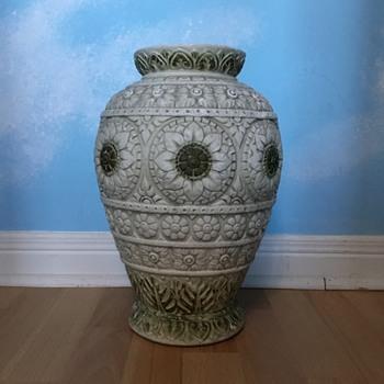 Large Pottery Urn - Pottery