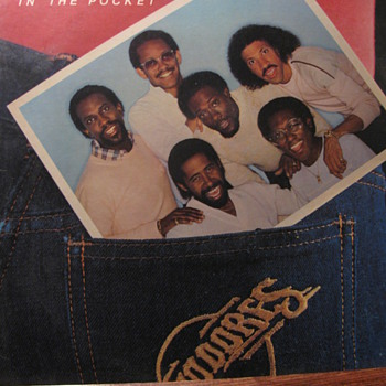 COMMODORES  1981 - Records