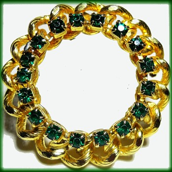 Unmarked Rhinestone Scalloped Brooch - Emerald colors - Costume Jewelry