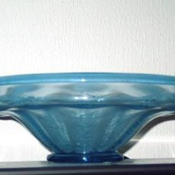 Serica nr 5 in bright blue (1928) - Art Glass