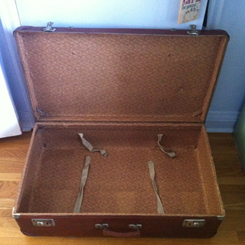 Trunk from the late 1950 or early 1960 era? - Bags