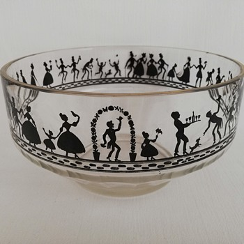 Punch Bowl with Silhouettes ..... Steinschonau - Art Glass