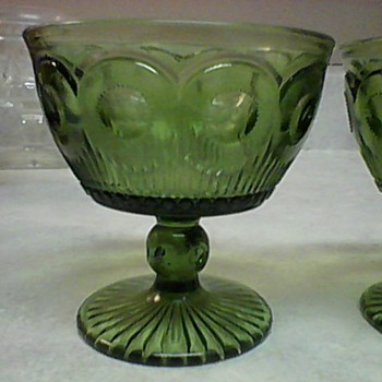 GREEN GLASSES - Glassware