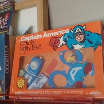 1970's Captain America Utility Belt !!!  - Toys