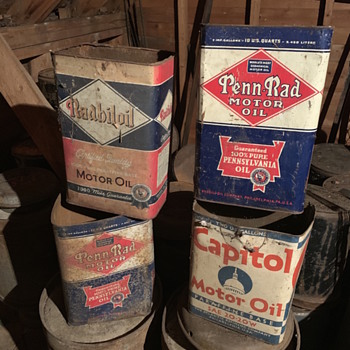 Vintage 2 gallon oil cans - Petroliana