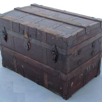 1880's  J.C. Gillmore New York :  Steel Bound Roll top Trunk  - Furniture