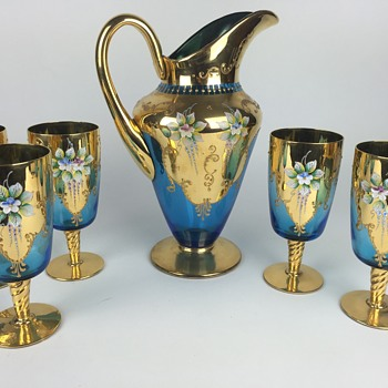 What is this?  Gold & Blue pitcher and glasses - Glassware