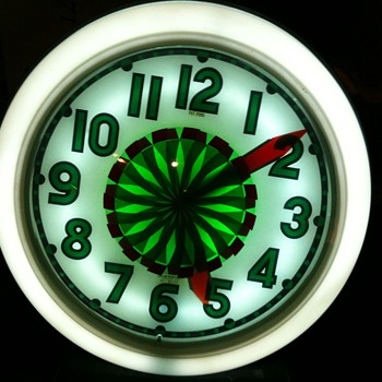 Cleveland Spinner Neon Clock Green Version - Clocks