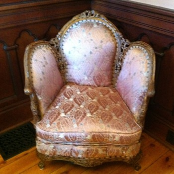 NICE SET. NEED HELP WITH ID - Furniture