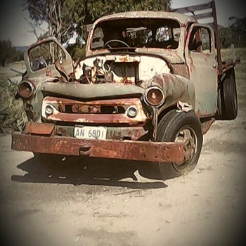 End of the road.international truck. - Classic Cars
