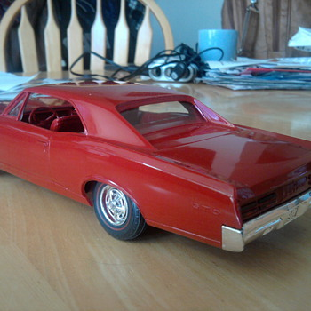 Finally... I found a GTO for under $100.  Some bring 5 times that much! - Model Cars