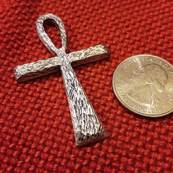 silvertone ankh - Costume Jewelry