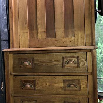 Antique and Vintage Desks | Collectors Weekly