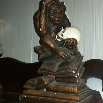 Darwin statue made by Marwal