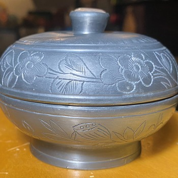 Chinese Pewter Round Box with Hardstone Finial - Asian