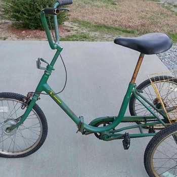 John Deere Tricycle??? Help