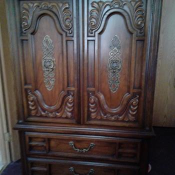 Dixie armoire 377-311 - Furniture