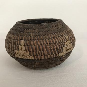 Little Round Basket Native American? - Furniture