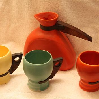 Pottery Beverage Set ???