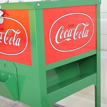 Green Coke Cooler--small coca-cola ice box
