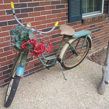 nice old bike - Sporting Goods