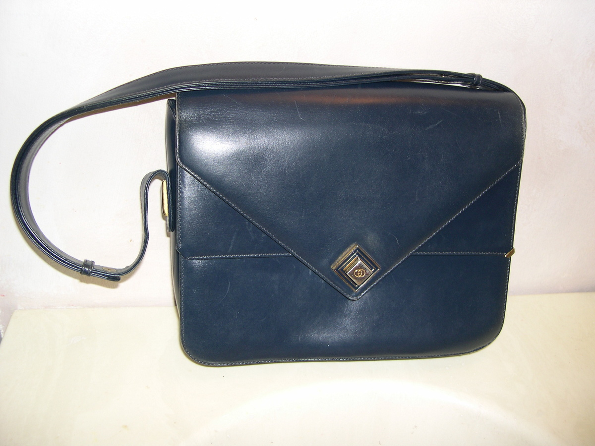 61aeaf3cc6e2e Is this a real vintage Gucci purse ? | Collectors Weekly